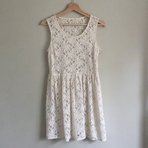❄️2/$20 Forever 21 Sheer Lace Dress in Cream
